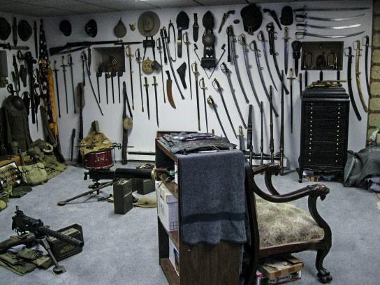 Коллекция антикварного оружия